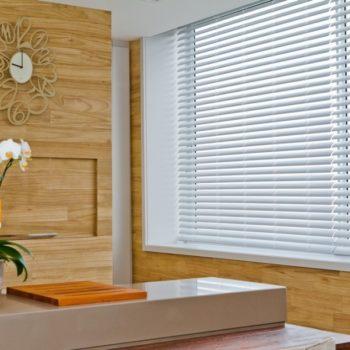 persianas navegantes conserto instalação élétrica automáticas rolô plissadas blecaute blackout aluminio vertical horizontal cozinha preço loja de sob medida madeira